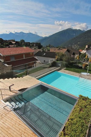 Romantik Hotel Weisses Kreuz: Le piscine
