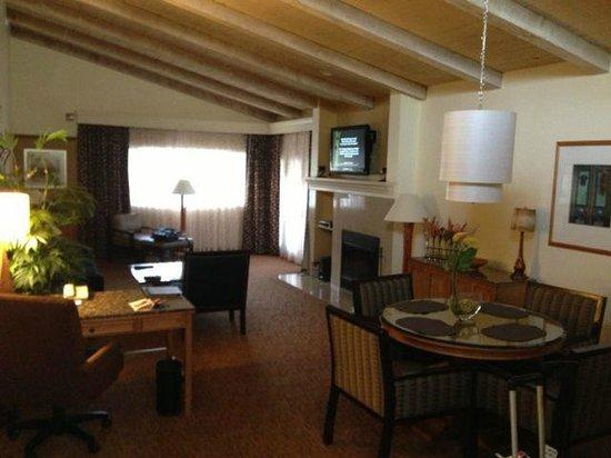 Hilton Scottsdale Resort & Villas : main living room