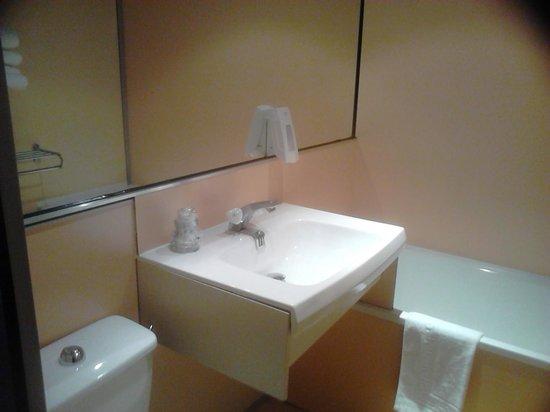 Hotel Les Rives Bleues : Salle de Bain