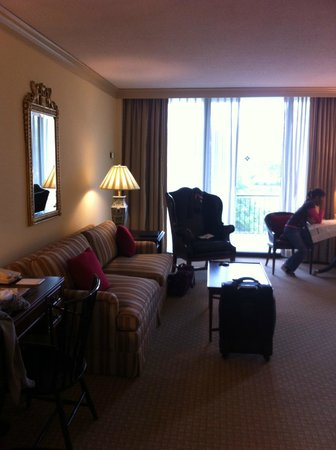 The Griffin Hotel - A Colonial Williamsburg Hotel: View from door