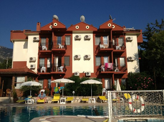 Olympos Hotel: Hotel (Front)