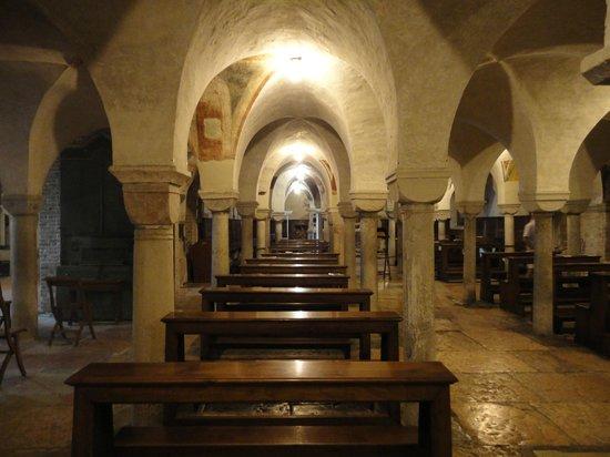 Cattedrale di San Pietro Apostolo: Het interieur