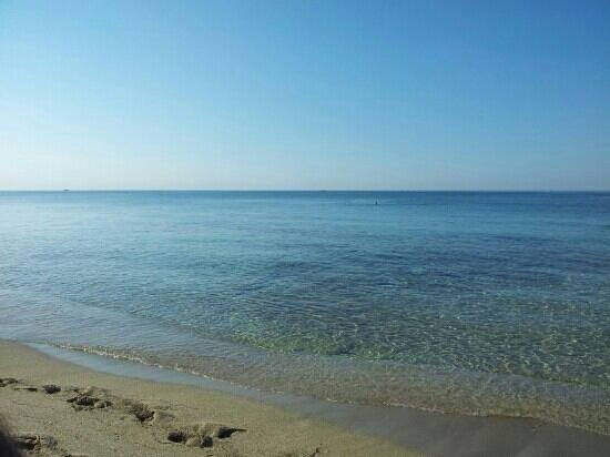 Ayala Beach: meraviglia...