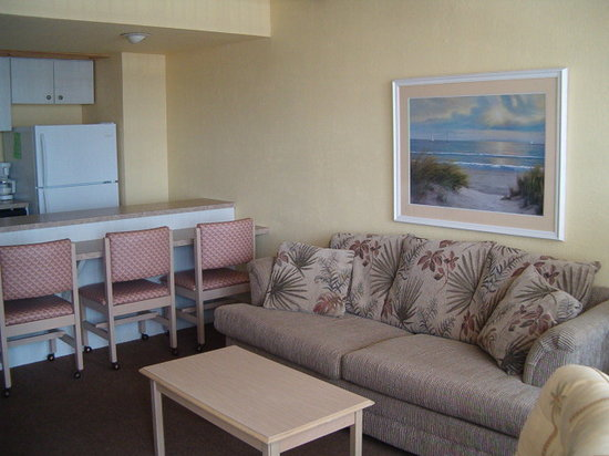 Holiday Shores Beach Club : Sleep six living room area (sleeper sofa)