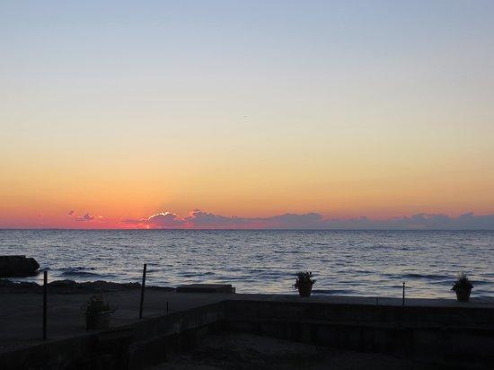 Little Harbor Inn: Bay view