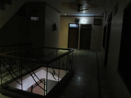 Hotel Rashmi: 2nd floor