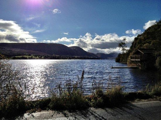 Park Foot Holiday Park: Lake
