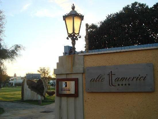 Hotel Alle Tamerici: l'entrata delle tamerici