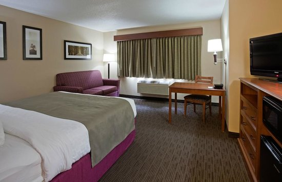 AmericInn Hotel & Suites Duluth South — Black Woods Convention Center: AmericInn Hotel & Suites Duluth South - King
