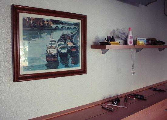 Solifemar Aparthotel : Гостинная в 208 номере