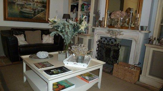 Hotel De Vigniamont: Breakfast room -- sitting area
