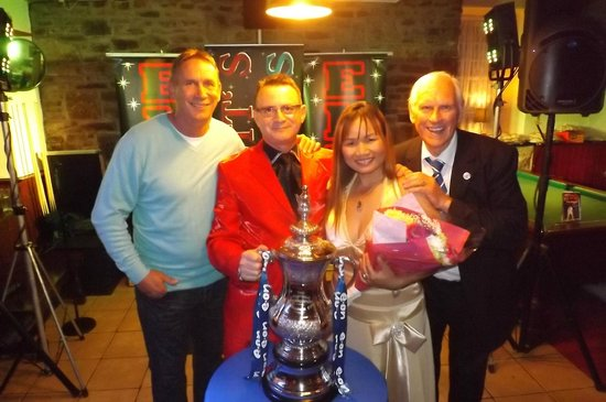The Knatchbull Arms: A.KNIGHT MBE,P D'AUGANNO,S D'AUGANNO AND R CRAWFORD AND THE FA CUP