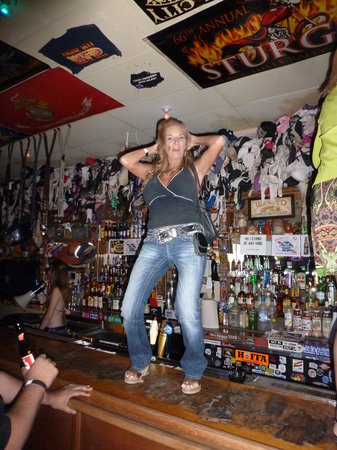 Hogs N Heifers Saloon: MeanStreet Mary doin what shes does on the bar at Hogs and Heifers