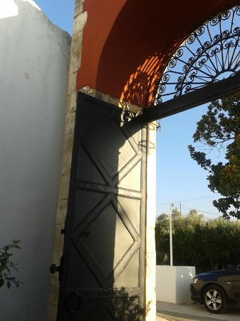 Oasis Guesthouse: Entrance