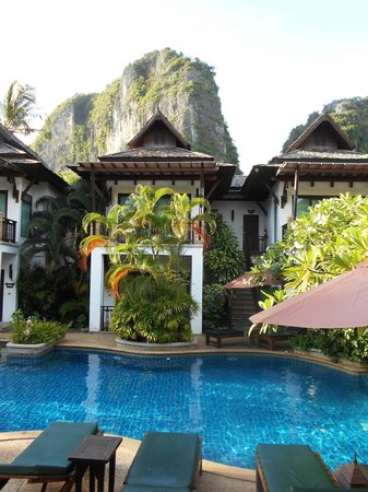 Railay Village Resort: View from/of the pool side villas