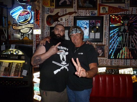 Hogs N Heifers Saloon: MSR guitarist Dowlin Mayfield and bouncer