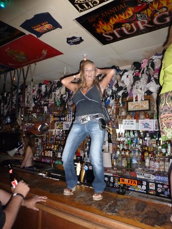 Hogs N Heifers Saloon: MeanStreet Mary havin fun on the bar