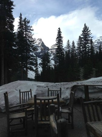 Moraine Lake Lodge: the view from the restaurant