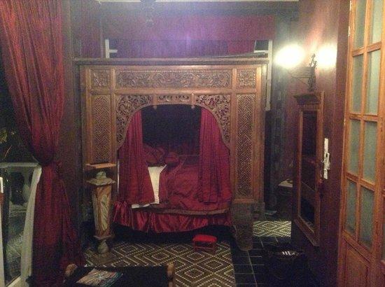 Rivera del Rio: The Scarlett Room - My dream