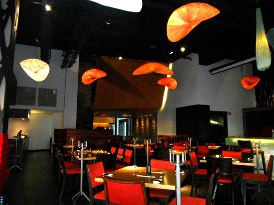 2013July23 Domu Sushi Bar Entrance Dining Area