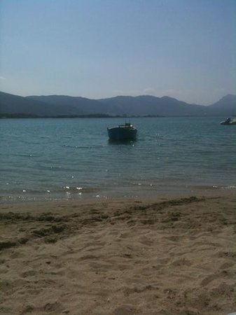 Hotel Pavlou : the beach of Neorion in front of the hotel