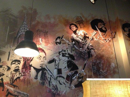 Saint-Jans-Molenbeek, Belgien: Artwork in the bar