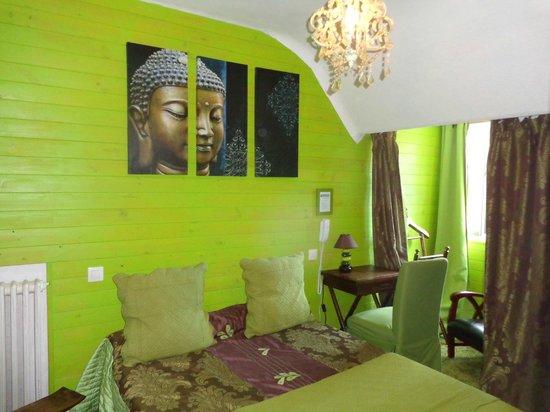 Hotel Saint-Louis: chambre trés zen