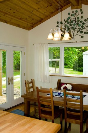 Sans-Souci Euro Inn and Cottages: Dutch House, a vacation rental