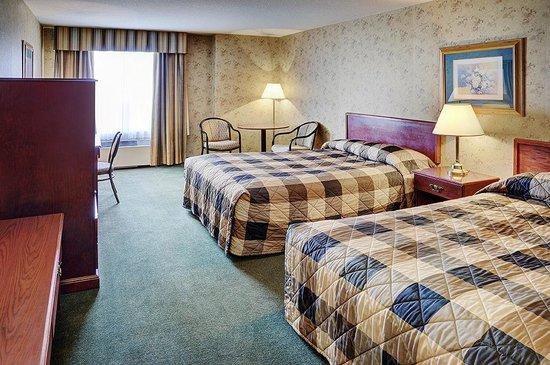 Lakeview Inns & Suites - Fort Saskatchewan : Two Queen Bedded Guestroom