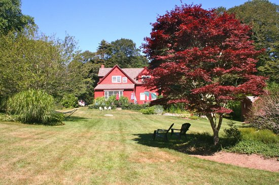 Woods Hole Passage Bed & Breakfast Inn : B&B e il giardino