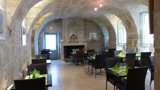 Le Nymphée (anciennement L'Impressionnist' Cafe): salle de restaurant