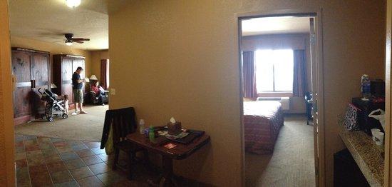 Wilderness at the Smokies Resort: King suite in Stonehill bldg