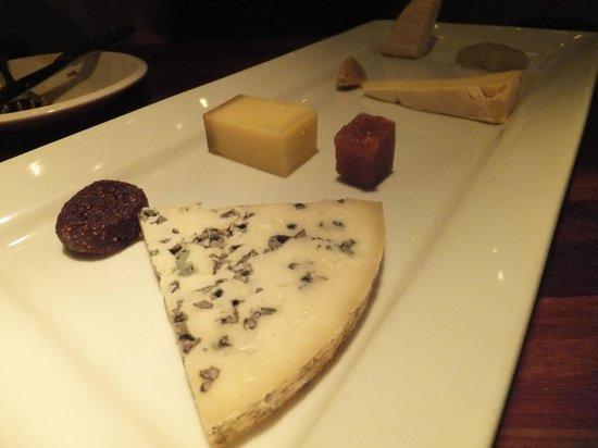 Pullman Wine Bar: Cheese platter