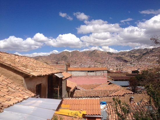 Hotel Casona les Pleiades: Our view of Cusco from room #5's balcony. Beautiful!