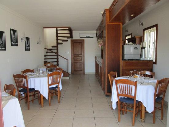 Fellini Italian Restaurant : Ground floor room and bar
