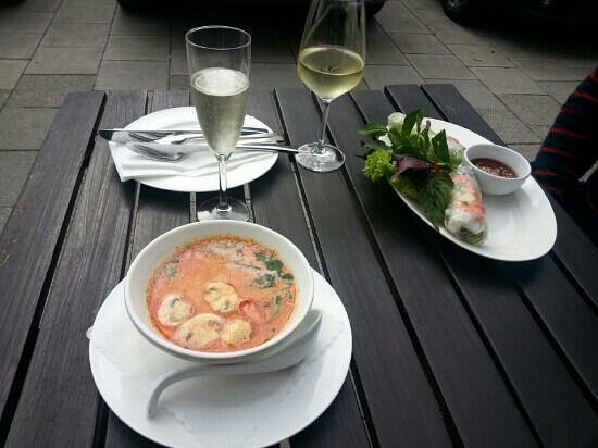 Nam Giao 31: coconut soup with chicken lemmon grass and spicy