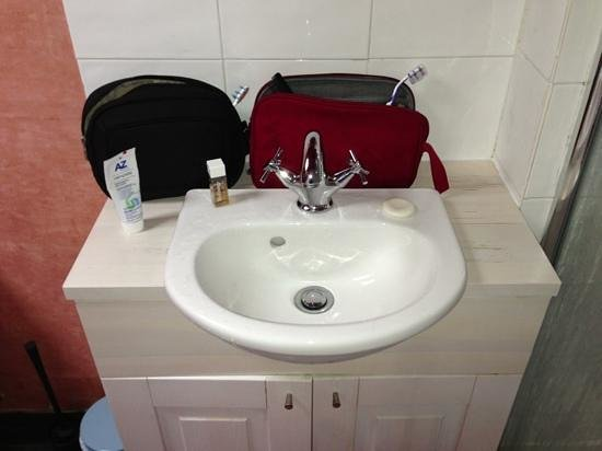 The Lodge at Edinbane: the smallest sink ever seen.