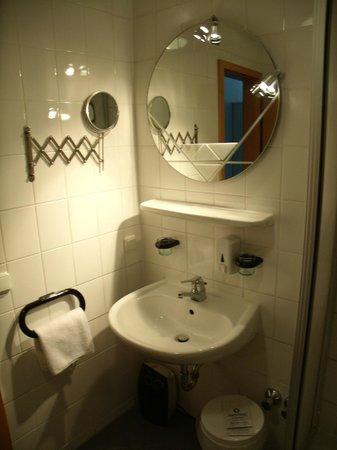 Niestetal, Alemania: Badezimmer