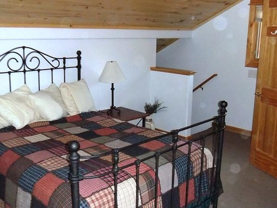 Bugle Pointe: Upstairs bedroom