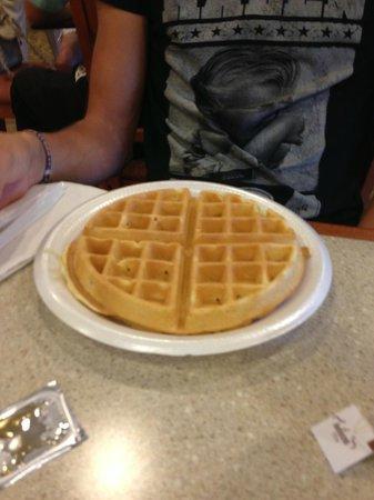 Comfort Inn: waffel a colazione