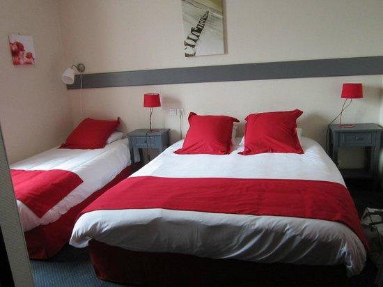 Auberge de Kerveoc'h : wouah la chambre rouge!!!!!!