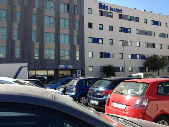 Ibis budget Malaga Centro: outside the main door