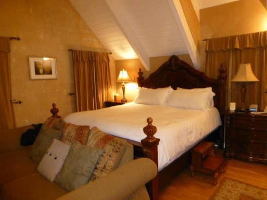 MacCallum House Inn: Very comfortable bed!