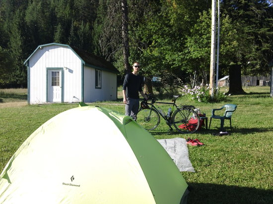 Amber Bear Inn : Kevin S, camping in front of bungalow, bicycling from Seattle to New York
