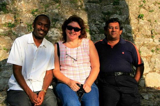 Auberge du Québec : Stephen from Uganda & Patricia from Argentina who were in adjoining rooms