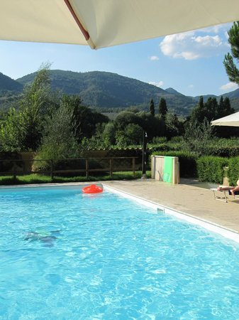 I terzieri: The Pool