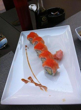 Onaji Restaurante Japones: al een paar sushi's op, maar dit ziet er toch heerlijk uit!