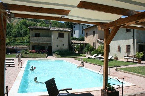 Il Sogno: Pool area