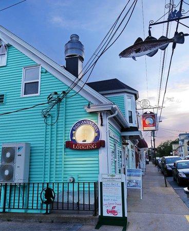 Brigantine Inn: Street view