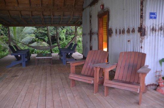 Pagua Bay House Oceanfront Cabanas: terrasse spacieuse du cabanon #2
